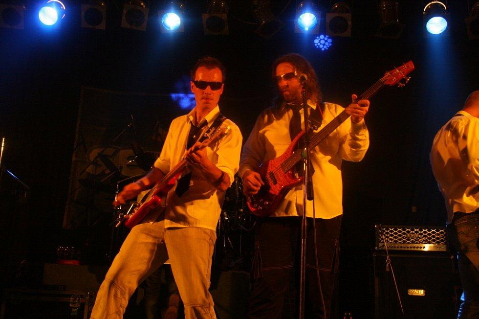 Skupina Seven pokřtila v bělslkém klubu Koule svou novou desku