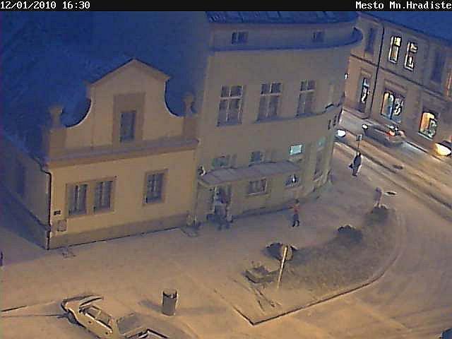 Zasněžené Mnichovo Hradiště pohledem web kamery.