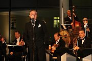 Koncert Ondřeje Havelky a jeho Melody Makers na Karmeli v Mladé Boleslavi.