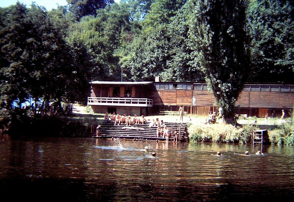 Benátky nad Jizerou. Loděnice u Jizery v roce 1983.