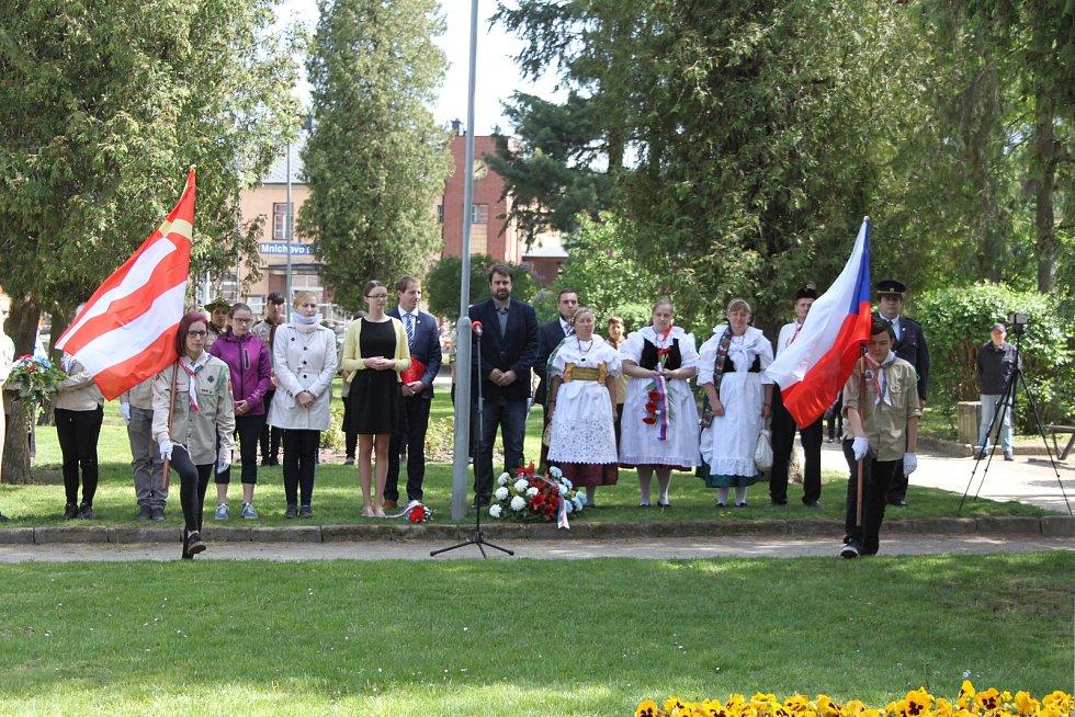Mnichovo Hradiště uctilo 8. května