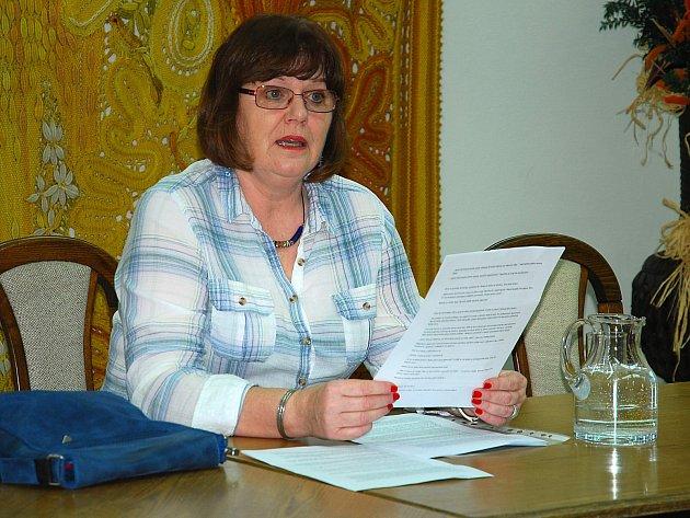 Spisovatelka Hana Raddová v Městské knihovně v Mladé Boleslavi