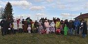 Letošního masopustního průvodu se v Kolomutech zúčastnilo 37 masek. Průvod prošel obcí v sobotu a celou akci pořádal Sportovní areál Kolomuty.