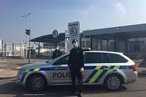 Policisté v Mladé Boleslavi nosí roušky i rukavice