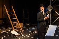Poslední inscenací sezóny 2014/2015 je inscenace Chaplin.
