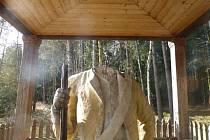 Hlavy granátníků ve Valdštejnsku se brzy vrátí na své místo