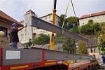 Most přes Klenici už má jasné obrysy