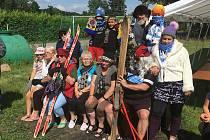 Z netradičních oslav letního slunovratu v Jabkenicích