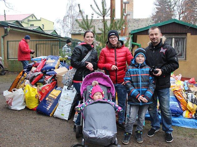 Do psího útulku v Lysé zavítaly na Štědrý den čtyři stovky lidí.