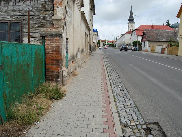 Kosmonoská ulice, kde se vražda odehrála.