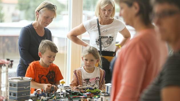 Slavnostní otevření komunitního centra se v Mírové ulici v Mnichově Hradišti konalo ve středu 2. září.