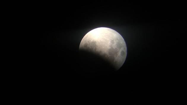 Mladá Boleslav sledovala zatmění Měsíce