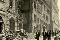 Bělská ulice v Mladé Boleslavi po bombardování 9. května 1945