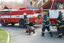 Požár kuchyně v Luštěnicích.