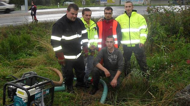 Ničivé povodně na Liberecku krotili i Boleslaváci.