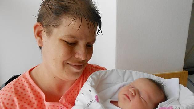 Růženka Krejčová přišla na svět 18. prosince s mírami 3,73 kg a 49 cm. S maminkou Renatou a tatínkem Jiřím bude bydlet v Benátkách nad Jizerou.