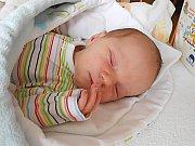 Hugo Mertens se narodil 4. září, vážil 3,44 a měřil 51 cm. S maminkou Mirkou a tatínkem Michalem bude bydlet v Dolním Bousově, kde už se na něho těší sestřička Emička.