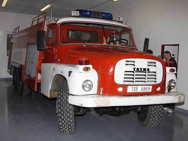 Hasiči v Semčicích dostavěli novou garáž