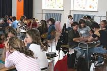 Soutěže se na mladoboleslavské škole na Podolci zúčastnilo 12 družstev z celého okresu