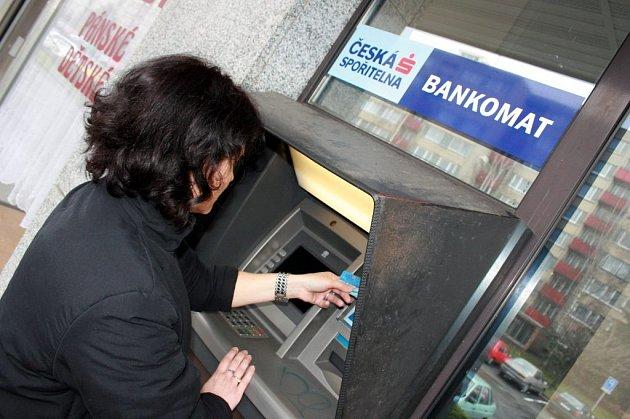 Bankomat České spořitelny v Mladé Boleslavi.