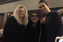 Na snímku zleva ředitelka divadla Janeta Benešová, Dagmar Pecková a představitel titulní role Daniel Bambas.