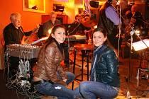 Štefánia a Nikola na koncertě Old Strars MB