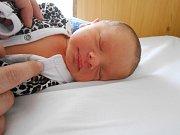 Tadeáš Kodýdek přišel na svět 1. dubna s váhou 2,76 kg. S maminkou Klárou a tatínkem Jardou bude bydlet v Pěčicích.