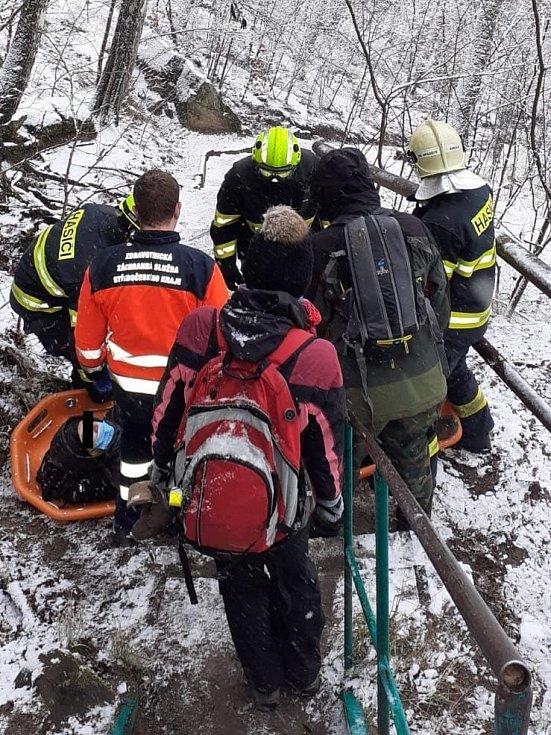 Záchrana ženy u obce Dneboh.
