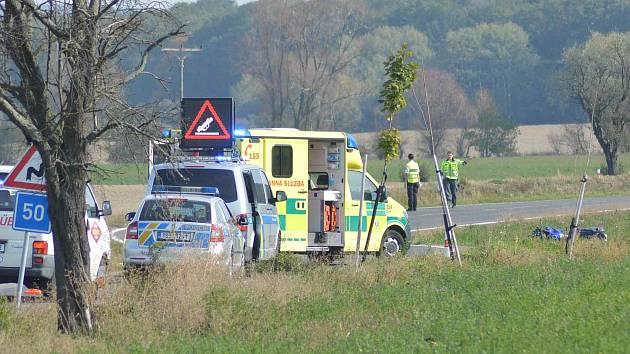 Dopravní nehoda mezi obcemi Březno a Čížovky si vyžádala těžké zranění.