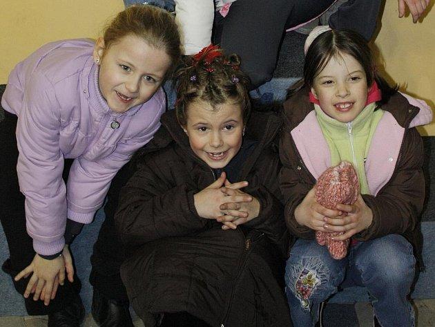 Boleslavské mladé krasobruslařky (zleva): Verunka Šmelhausová, Monika Frolíková, Johanka Vircová