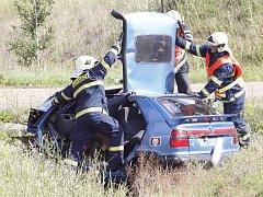 ilustrační foto - hasiči u nehody