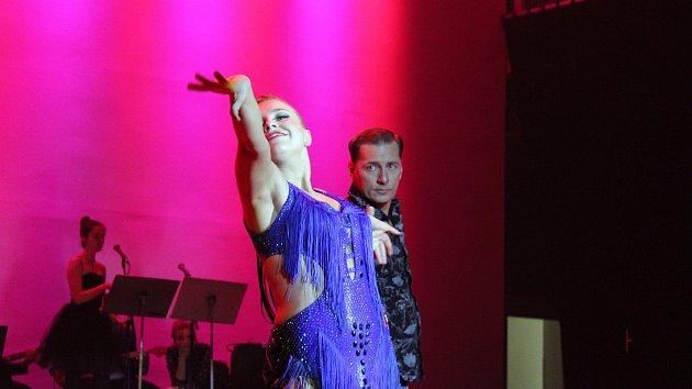 Taneční soutěž 'Roztančené divadlo aneb Když herci tančí' v Mladé Boleslavi