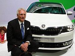 Šéf Škody Auto Winfried Vahland se studií Škoda MissionL (budoucí Rapid).