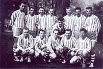 Legendy boleslavské házené: Syrový, Pekárek, Čermák, Konyvka, Havelka Z., Bartoň, Holub, Svoboda, Šmíd, Knespl, Havelka J., Banýr, Mašín. Foceno 1. května 1961.