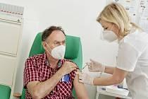 Škoda Auto motivuje své zaměstnance k očkování.