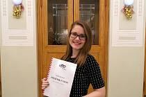 Osmnáctiletá Adéla Novotná napsala monodrama Příliš malý kruh, které se od poloviny loňského září hraje na malé scéně boleslavského divadla