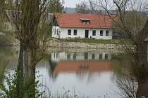 Fotokvíz: Poznáte obec na pomezí Mladoboleslavska a Nymburska?