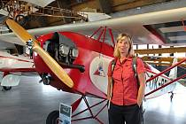 Paní Romana Zamrzlová z Tábora se stala 15000. návštěvníkem Leteckého muzea Metoděje Vlacha.