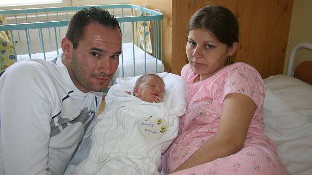 Nicolas se mamince Izabele Mattové a tatínkovi Davidu Rigovi narodil v pondělí 8. září, Nicolas vážil 2,6 kg a měřil 46 cm.
