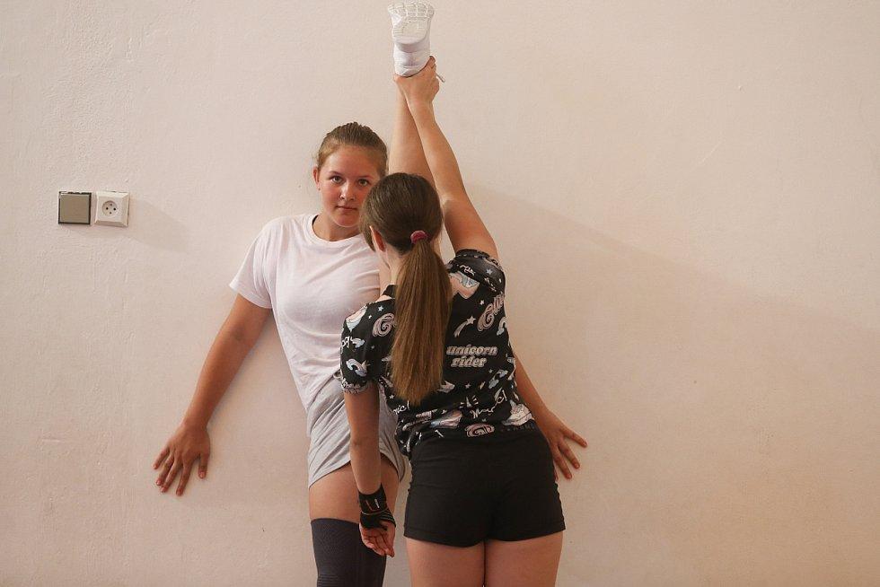 Vše je o přístupu trenéra. Petra Janečková se sportu věnuje přes 17 let. Naučit se sport může každý, i kdyby se mohlo zprvu zdát, že nemá takové předpoklady. Základem je podle zakladatelky týmu dělat tréninky hrou; nikoliv striktními instrukcemi, co dělat