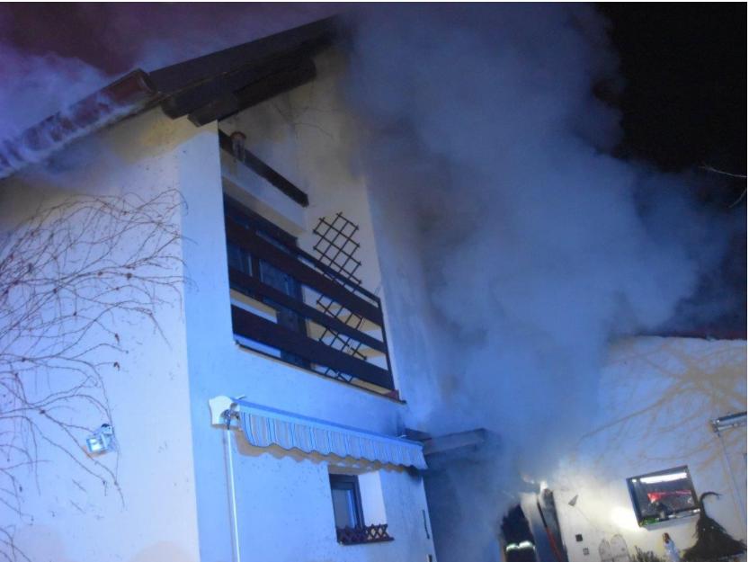 Z požáru rodinného domu v obci Veselá 22. ledna 2021.