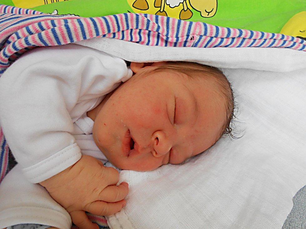 Jakub Babic, Mladá Boleslav. Narodil se 10. června, vážil 3,91 kg a měřil 52 cm.  Maminka Lucie, tatínek Pavel a bráška Ondřej.
