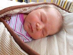 MARIE Lacinová přišla na svět 13. června s mírami 3,51 kg a 50 cm. Maminka Jaroslava a tatínek Petr si ji odvezou domů do Chudíře, kde už se na ni těší sestřička Káťa.