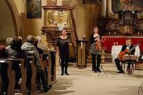 Koncert duchovní hudby v kostele v Sýčině.