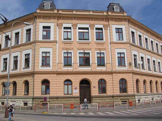 Mladoboleslavská 2. základní škola je známa především výukou cizích jazyků