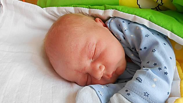 Jan Mahr se narodil 22. května, vážil 3,17 kg a měřil 48 cm. S maminkou Kateřinou a Jiřím bude bydlet v Mladé Boleslavi, kde už se na něho těší bráška Jiřík.