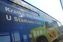 Reklama na hernu na autobusu městské hromadné dopravy v Mladé Boleslavi? Nic není nemožné.