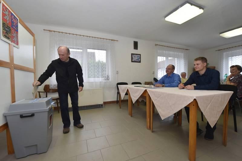 Volby v Kolomutech u Mladé Boleslavi.