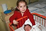 Verunka Drahozalová přišla na svět 17. února. Raduje se z ní sestřička Kačenka a rodiče Lada a Pavel.  Měřila 49 cm, vážila 3, 45 kg. Doma bude v Bezděčíně.