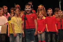 Šestý ročník přehlídky jarní Pop-Song Fest.